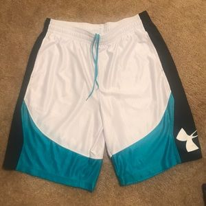 Under Armour basketball shorts size XL